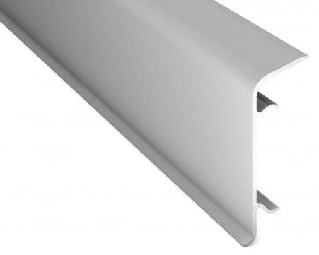 FP 350 Product Zachte flexibele PVC plint met rechtebinnenhoek. Hoogte: 70 mm. of 100 mm. <strong>Wordt verkocht per rol van 25 meter. </strong><strong>Levertijd c.a. 5-10 werkdagen</strong>