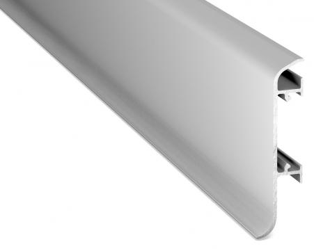 FP 362 Product Zachte flexibele PVC plint met afgeronde binnenhoek. Hoogte: 70 mm. <strong>Wordt verkocht per rol van 25 meter. Levertijd c.a. 5-10 werkdagen </strong>
